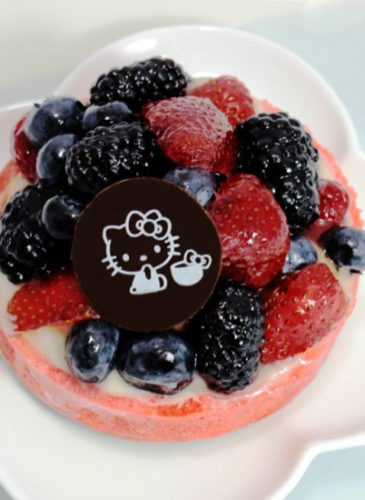 Hello-Kitty-mixed-berry-tart-x1000